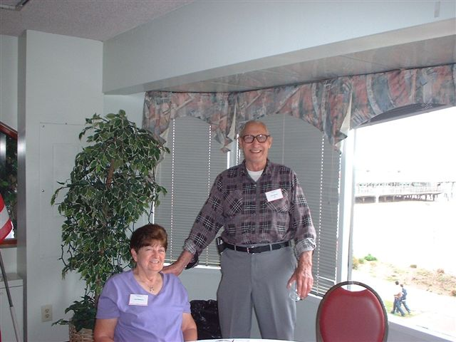 0005-reunion2009-GailWilliamsonandJerryHoward.jpg
